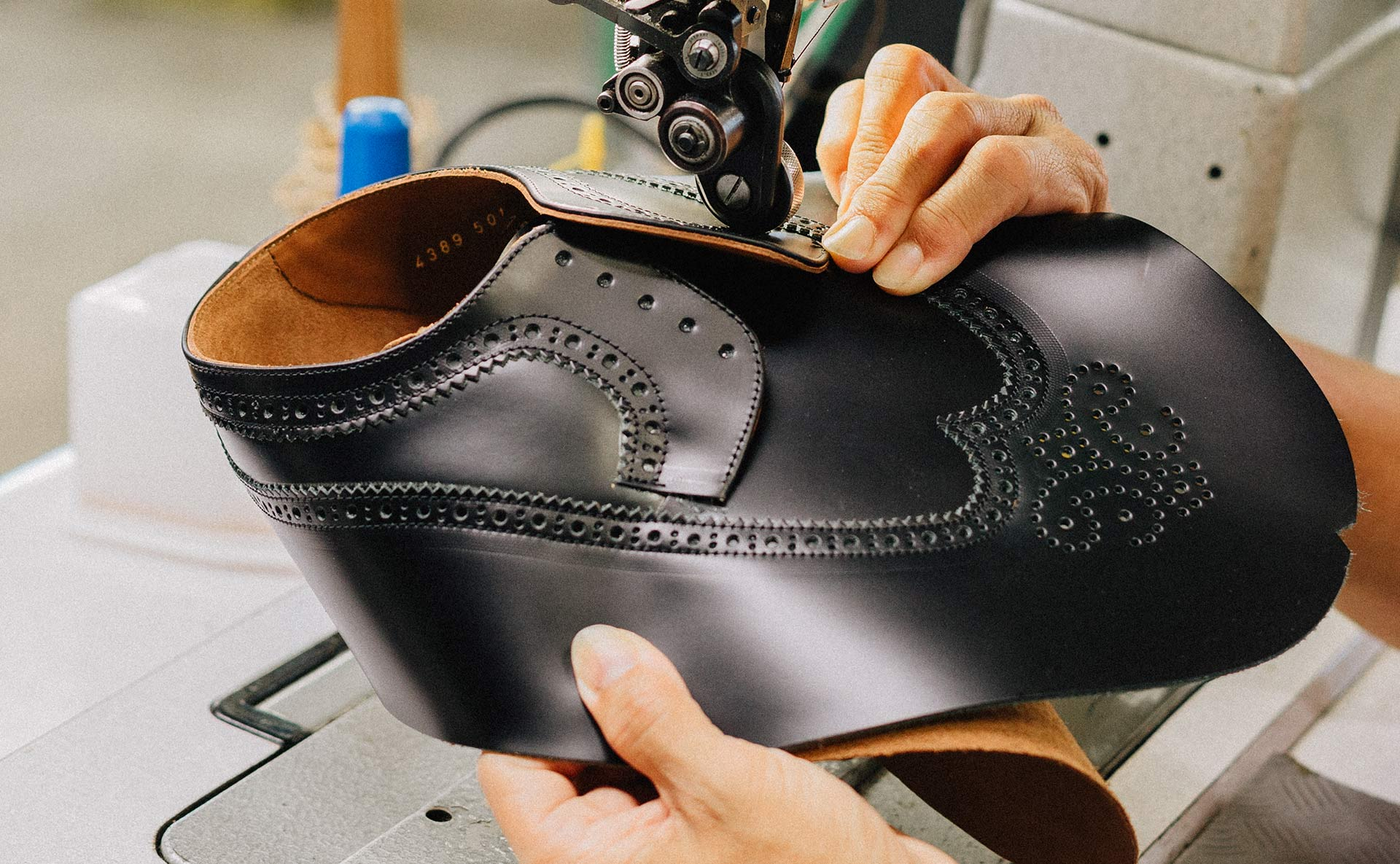 why leather shoes squeak